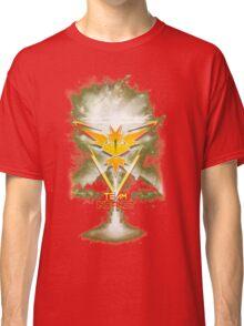 Team Instinct Yellow pokemon go Classic T-Shirt