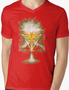 Team Instinct Yellow pokemon go Mens V-Neck T-Shirt