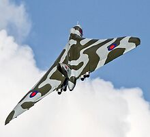 Avro Vulcan XH558 by PhilEAF92