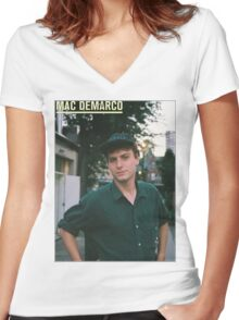 Mac Demarco zine cover Women's Fitted V-Neck T-Shirt
