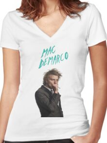 Mac DeMarco Singing  Women's Fitted V-Neck T-Shirt