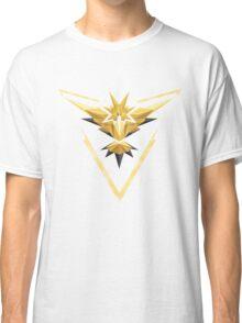 Team Instinct Low Poly Classic T-Shirt