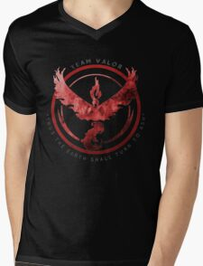 Pokemon Go: valor   Mens V-Neck T-Shirt