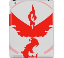 tem red pokemon go iPad Case/Skin