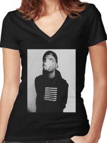 bryson tiller Women's Fitted V-Neck T-Shirt