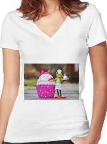 Frog the Chef and cook Women's Fitted V-Neck T-Shirt