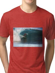 Kelly Slater at Pipeline Masters Tri-blend T-Shirt