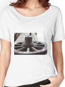 Old wooden wheel Women's Relaxed Fit T-Shirt