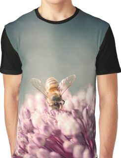 Bee on Pink Graphic T-Shirt