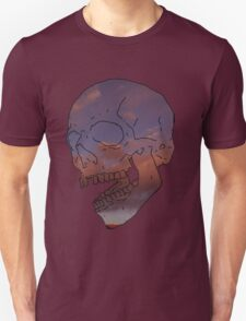 skull w/ some clouds behind Unisex T-Shirt