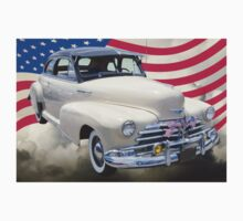 1948 Chevrolet Fleetmaster Car With American Flag Kids Tee