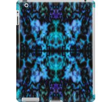 Blue psychedelic kaleidoscope pattern iPad Case/Skin