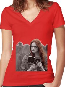 Amy Pond Women's Fitted V-Neck T-Shirt