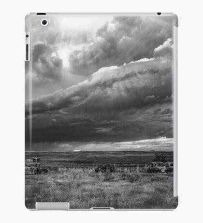 Rolling Thunder - BW iPad Case/Skin
