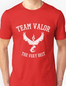 Team Valor Distressed - Red Team - Pokemon Go Unisex T-Shirt