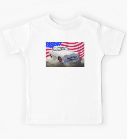 1950 Ford Custom Antique Car With American Flag Kids Tee