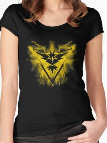 Team Instinct Pokemon Women's Fitted Scoop T-Shirt