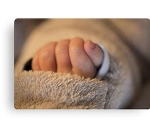 Hand of a newborn baby Canvas Print