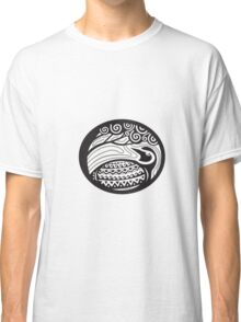 Golden Plover Looking Up Tree Oval Tribal Art Classic T-Shirt