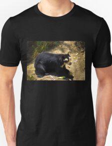 Ukumari, Andean Spectacled Bear Unisex T-Shirt
