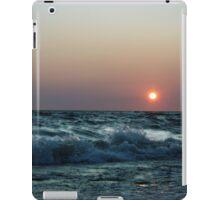 Splashing waves iPad Case/Skin