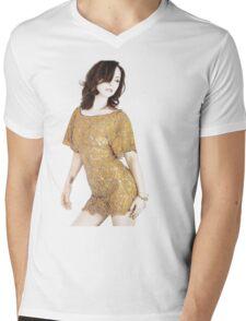 Christina Ricci Mens V-Neck T-Shirt