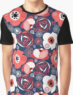 Seamless pattern of bright flowers Graphic T-Shirt