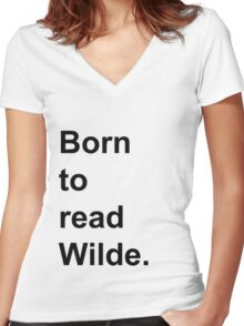 Born to Read Wilde Women's Fitted V-Neck T-Shirt