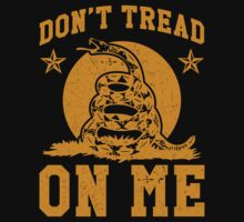 Don't Tread On Me (yellow print) by Six 3