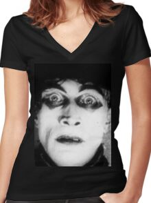 Somnambulist from The Cabinet of Dr Caligari Women's Fitted V-Neck T-Shirt