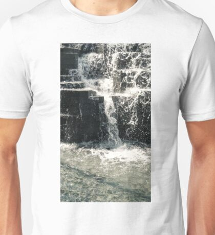 DIVING INTO MARBLE Unisex T-Shirt