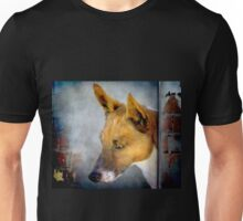 The Dog that looked like a Fox Unisex T-Shirt