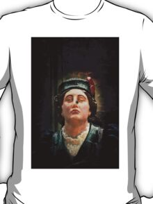 A ships figurehead of Elisabeth Fry with a real fly on her nose T-Shirt