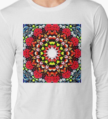 Falling in the berries' field Long Sleeve T-Shirt