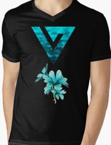 Turquoise Floral Watercolor Seventeen Logo T-Shirt Mens V-Neck T-Shirt