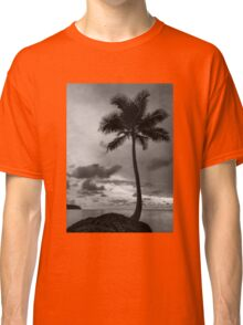 Palm tree silhouette in black and white Classic T-Shirt