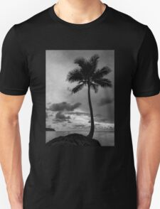 Palm tree silhouette in black and white Unisex T-Shirt