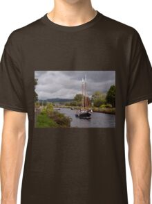 Sailing on the Crinan Classic T-Shirt