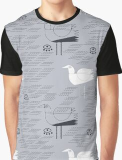 Seagulls and waves summer print  Graphic T-Shirt