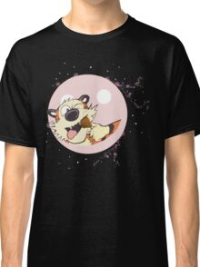 hobbes eat on baloon Classic T-Shirt