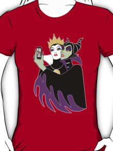 Grimhilde & Maleficent Selfie T-Shirt