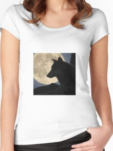 A Wolf in Front of the Moon Women's Fitted Scoop T-Shirt