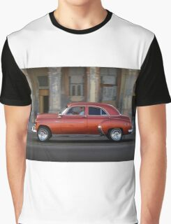 Old American car in La Habana, Cuba Graphic T-Shirt