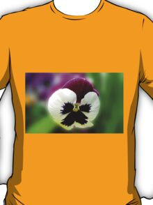 Pensive - A Rose Wing Pansy in a Reflection Frame T-Shirt