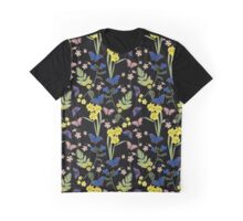 Floral botanical print with butterflies and wild flowers Graphic T-Shirt