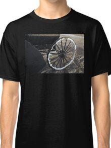 Amish Wagon wheel in Winter Classic T-Shirt