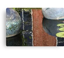 Chihuly Floater 4 Canvas Print