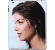 Marie Avgeropoulos - Comic Con - The 100 Poster iPad Case/Skin