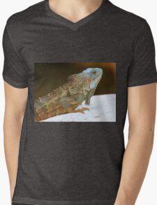 Blue head iguana Mens V-Neck T-Shirt