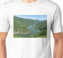 Green Mountains, Spilling in the Lake Unisex T-Shirt